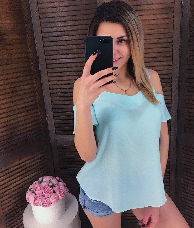 Шифоновая летняя женская блуза с разрезами на плечах 65bir144