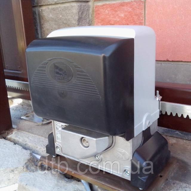 Привод Came BX78 на откатных воротах частного дома