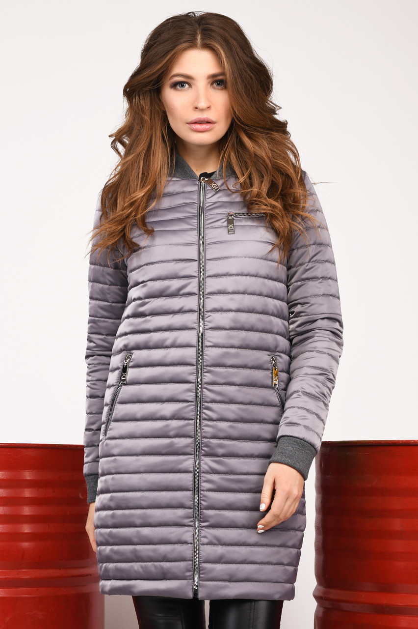 Женская стильная курточка весенняя удлиненная серая