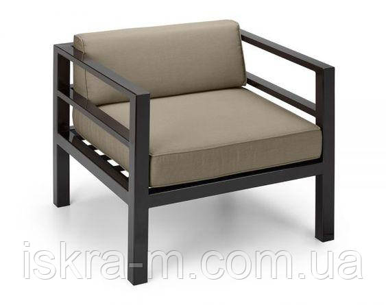 Кресло с подушками в стиле лофт