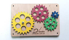 Набор шестеренок с подложкой разноцветные