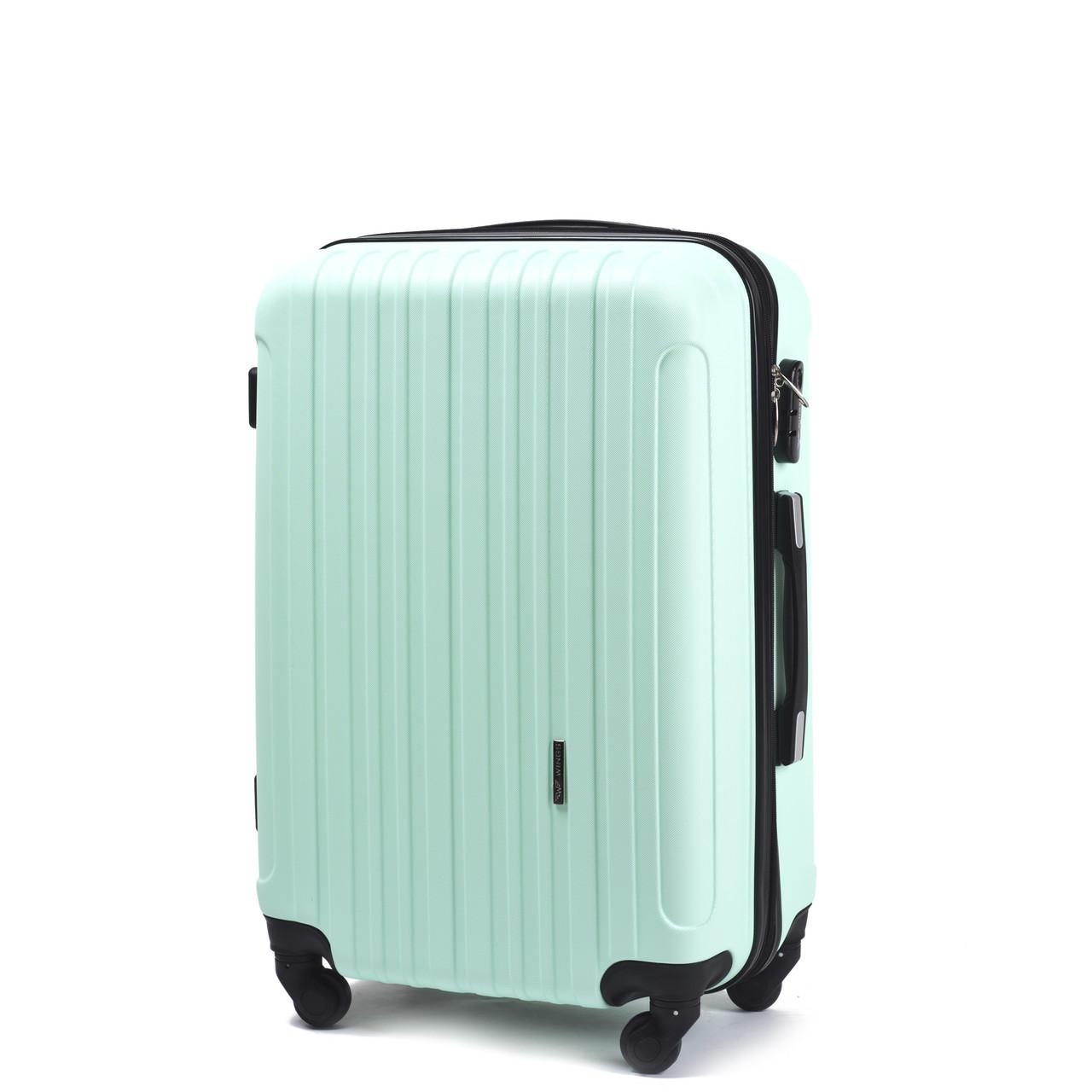 Малый пластиковый чемодан Wings 2011 на 4 колесах зеленый