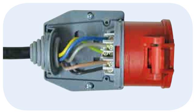 Внутри розетки TP Electric