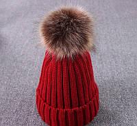 Молодежная женская шапка красная с отцепным помпоном