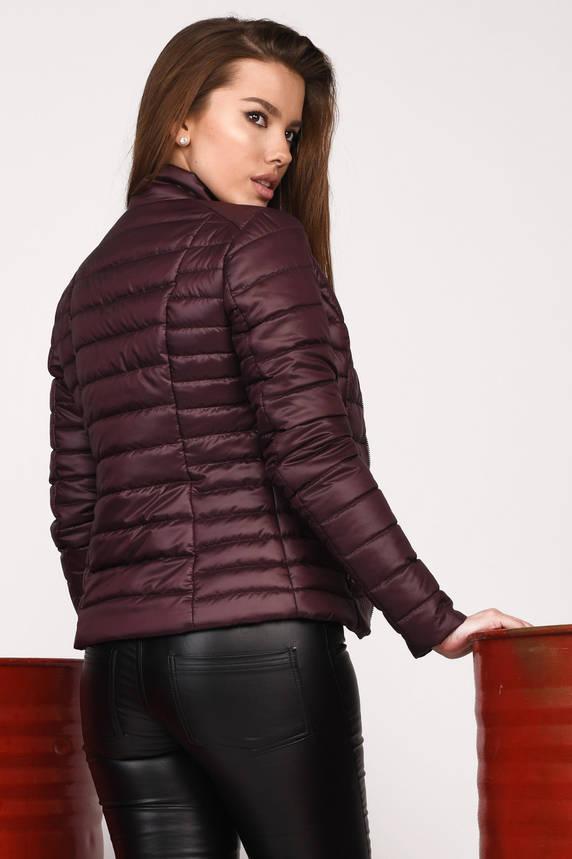 Короткая демисезонная женская куртка на синтепоне фиолетовая, фото 2