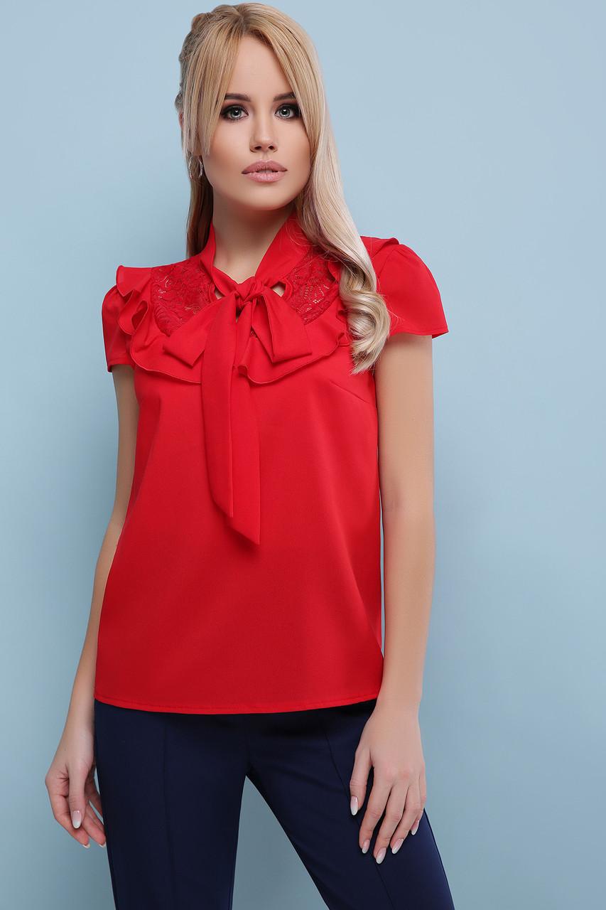 Нарядная красная свободная блузка с гипюром и рюшами на груди Федерика к/р, короткий рукав