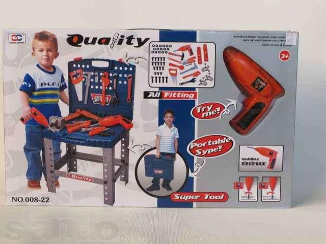 Набор игрушечных инструментов 008-22 чемодан-стол
