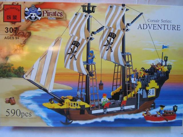 Конструктор Brick 307 Пиратский корабль 590 дет.