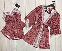 Бордовый велюровый халат и пижама в клеточку-комплект с кружевом.