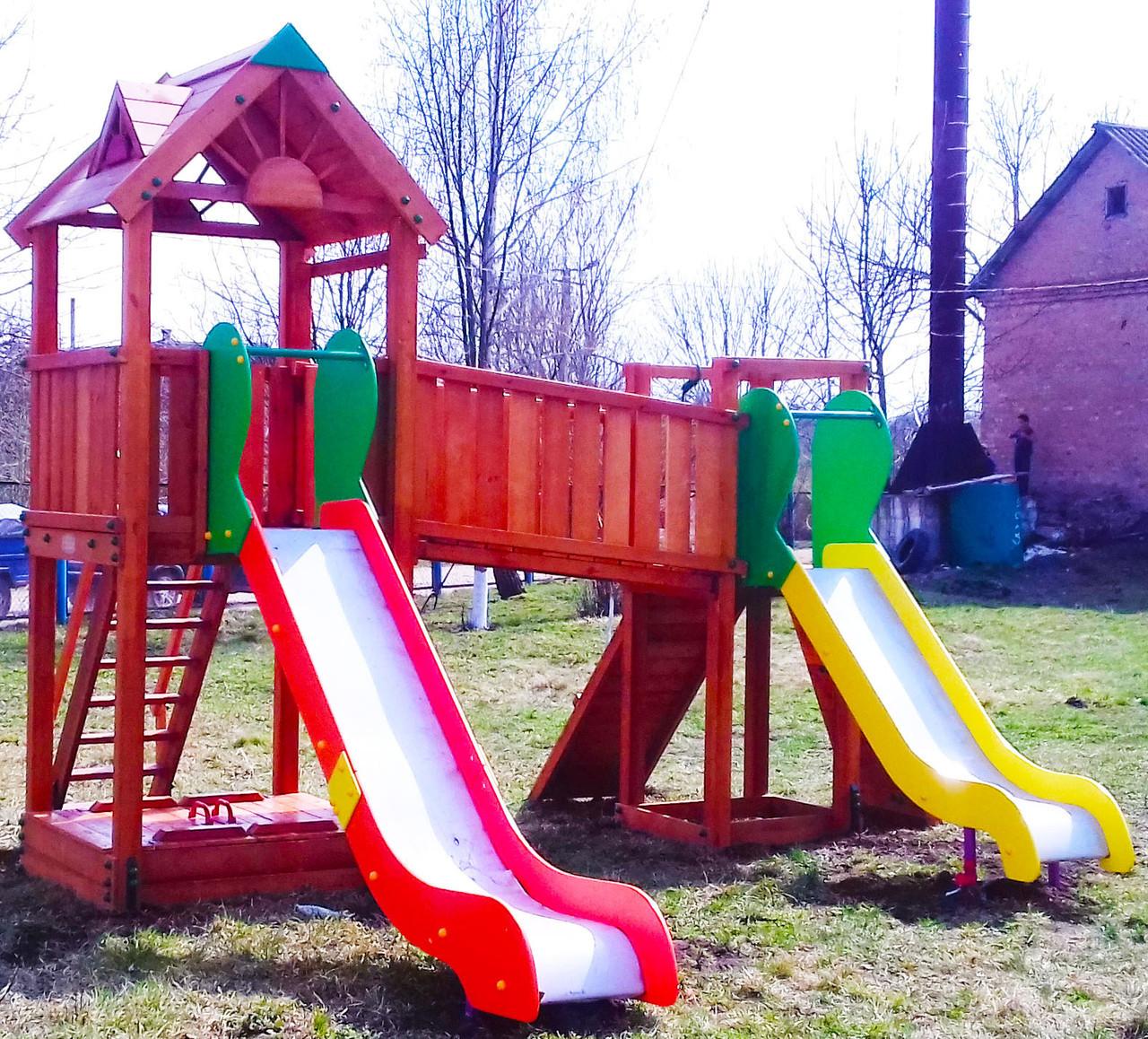 Дитячий майданчик Spielplatz Томас Бруклини з лазами і двома залізними гірками