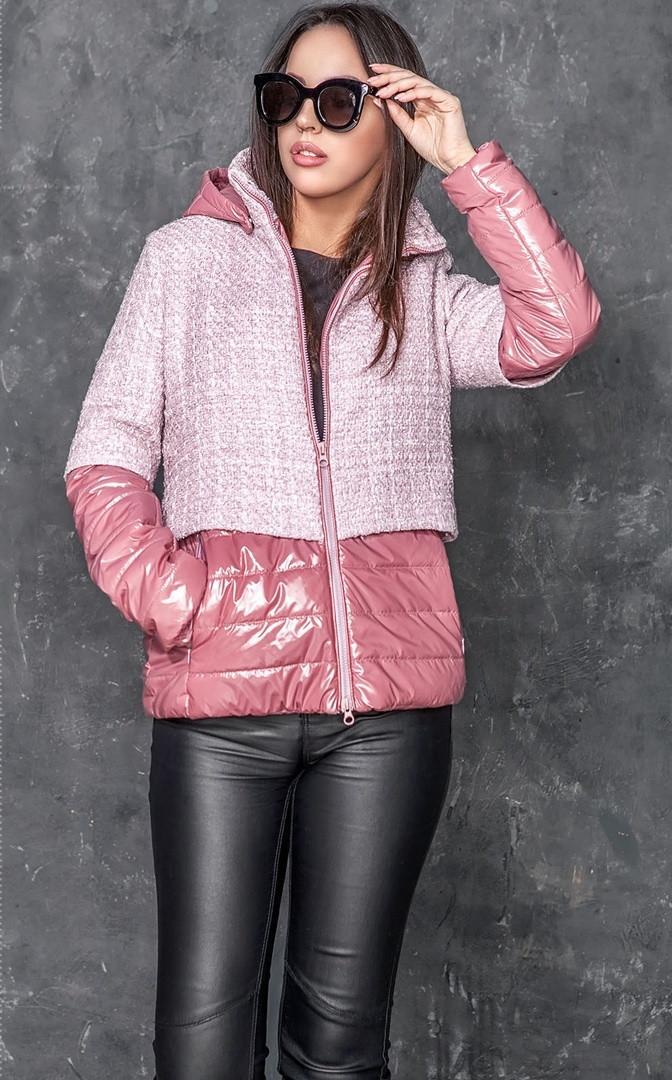 Короткая комбинированная женская куртка деми