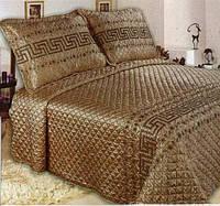 Покрывало 240х260  на  кровать с наволочками GoldenTex