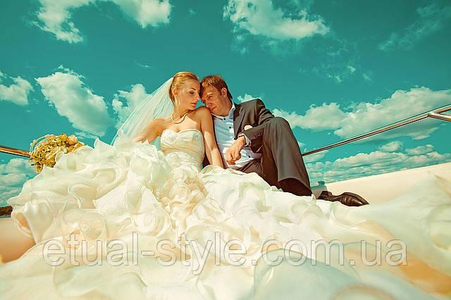 ЗАКАЖИ  HD видеосъемку,фотосьемку  ВАШЕЙ свадьбы по доступной цене в салоне Etual Style.