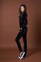 Женский велюровый костюм с жемчугом. Код модели КТ-06-39-17. Цвет черный.
