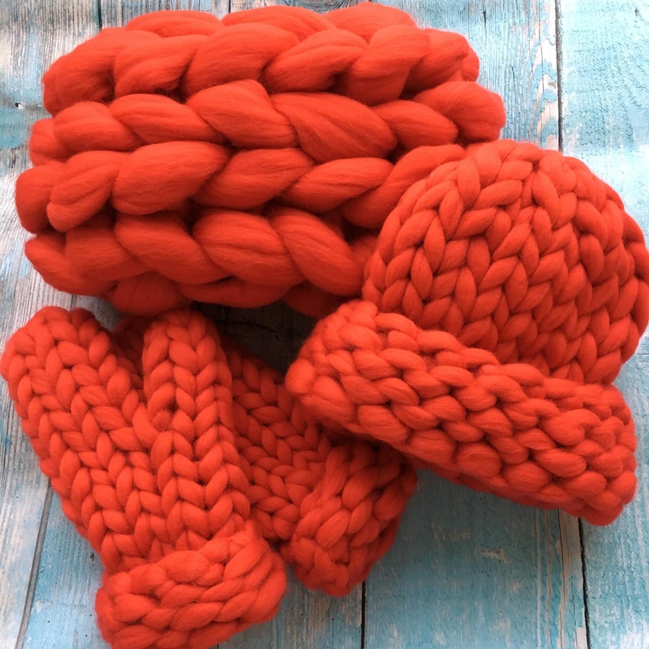 Комплект шапочка, снуд гигантской вязки и рукавички 100% шерсть мериноса (Огненно-красный), фото 1
