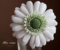 """""""Белая гербера"""" авторская заколка для волос цветок ручной работы."""