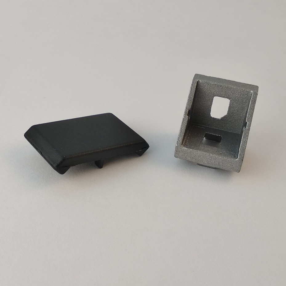 Кутовий з'єднувач 18x18 з кришкою (угловой соединитель)
