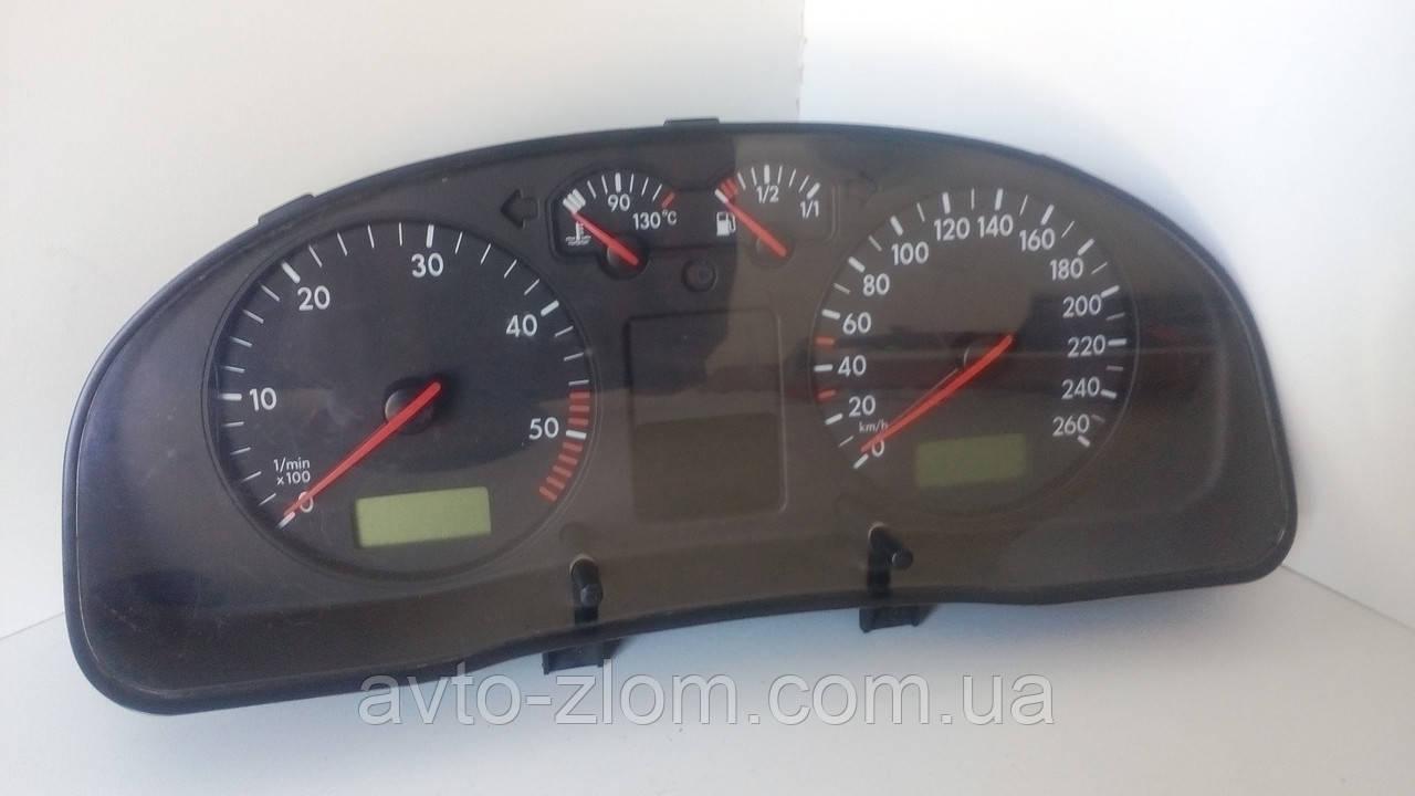 Щиток, панель приборов Volkswagen Passat B5, Пассат Б5 1,9 TDI. 3B0920822A.