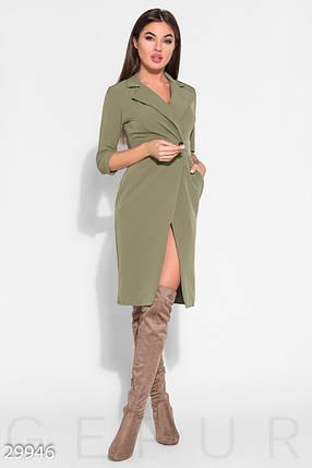 Стильное платье миди на запах приталенное с воротником на пуговицах рукав три четверти оливковое, фото 2
