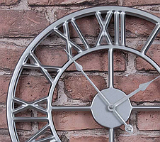 Часы настенные металлические в стиле лофт - Roman Silver 60 cm, фото 3