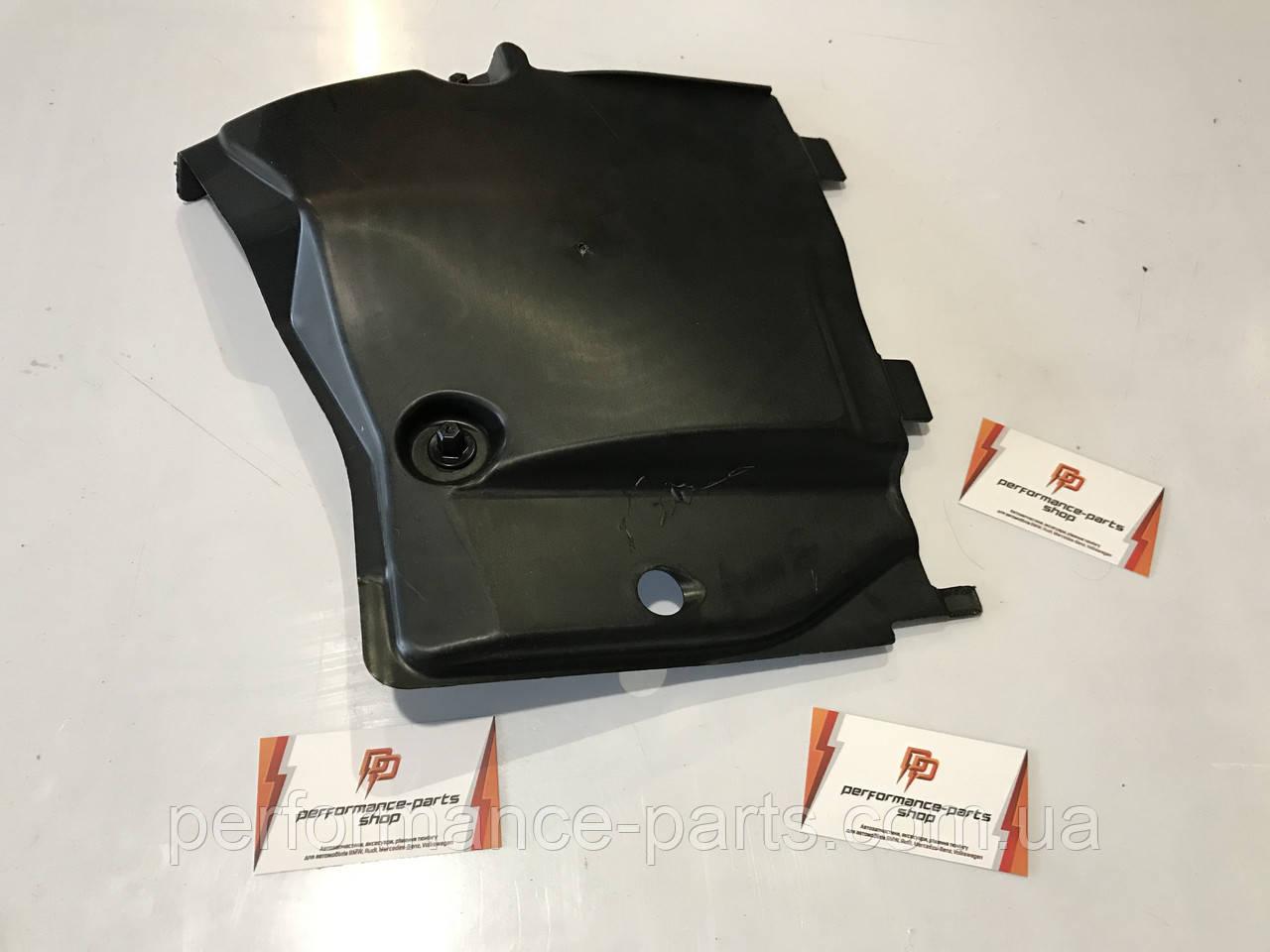 Захист днища передня права Audi A4 8W B9 8W0825202