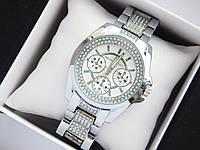 Женские кварцевые наручные часы Michael Kors серебримтого цвета, стразы под стеклом, серебристый циферблат, фото 1