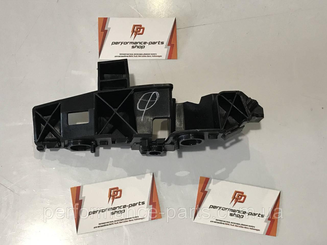 Направляющая переднего бампера правая кронштейн Audi Q5 80A 80A807284A