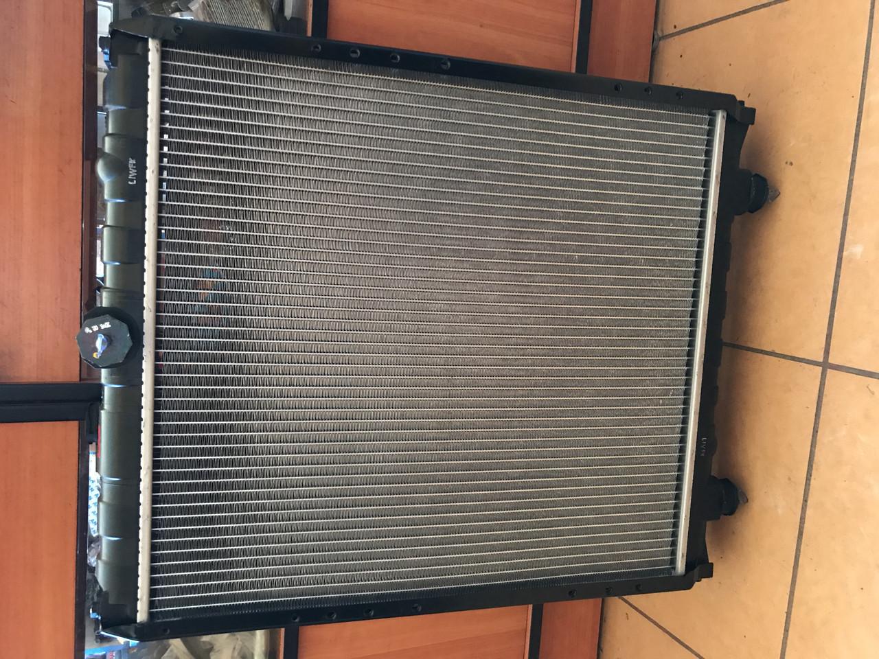 Радиатор системы охлаждения двигателя на автобус Богдан А069