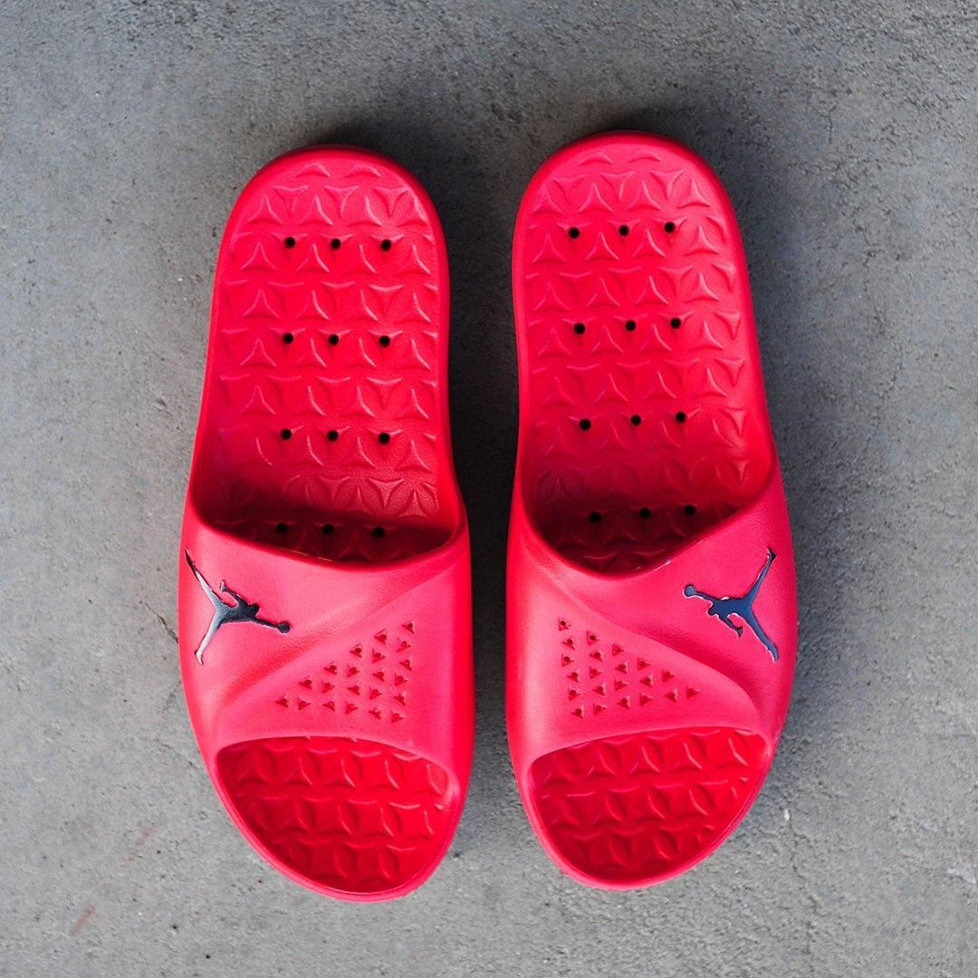3700e9616 ... красные Air Jordan Slides Red | сланцы мужские (шлепки / шлепанцы /  тапочки); красные ...