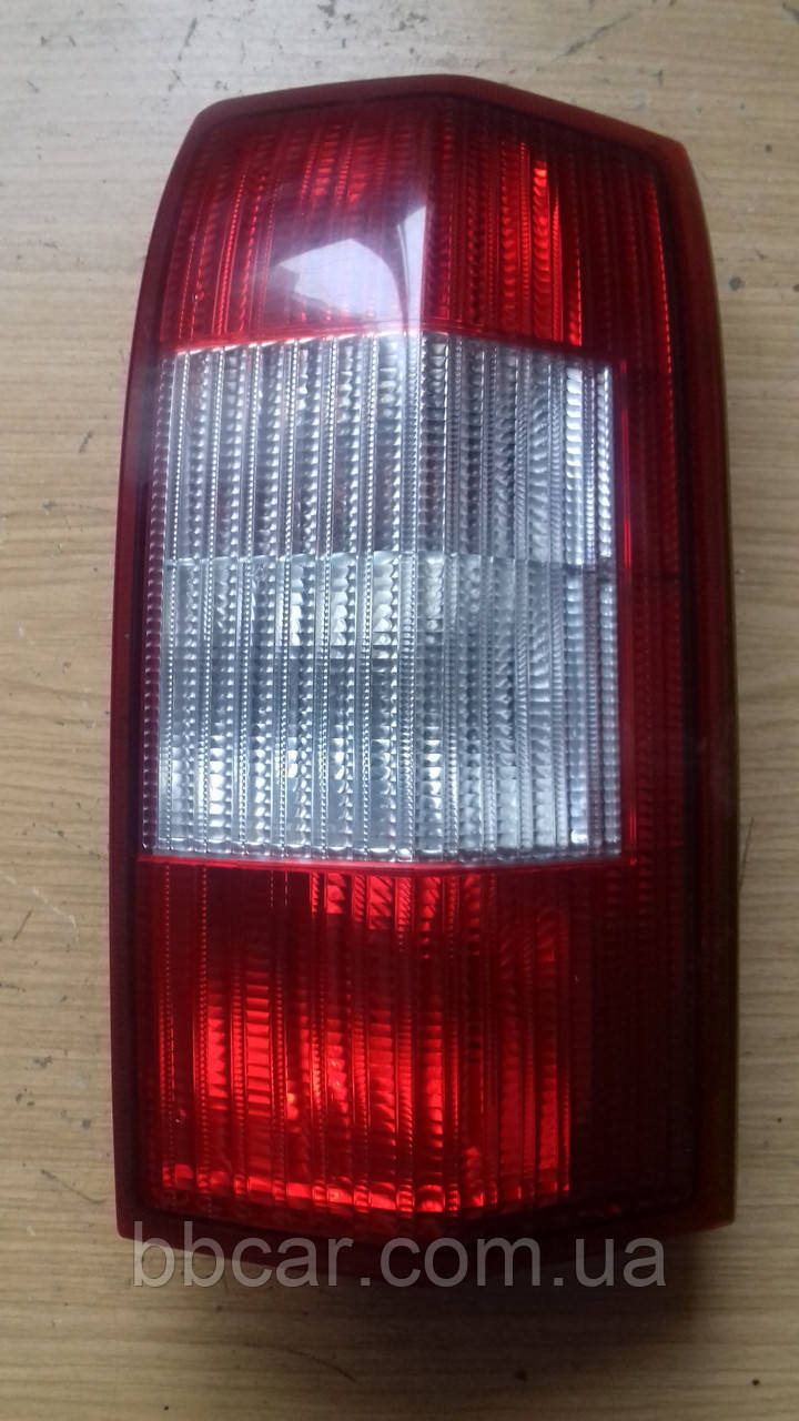 Задний фонарь Opel Omega B универсал Hella 152 028  (R )