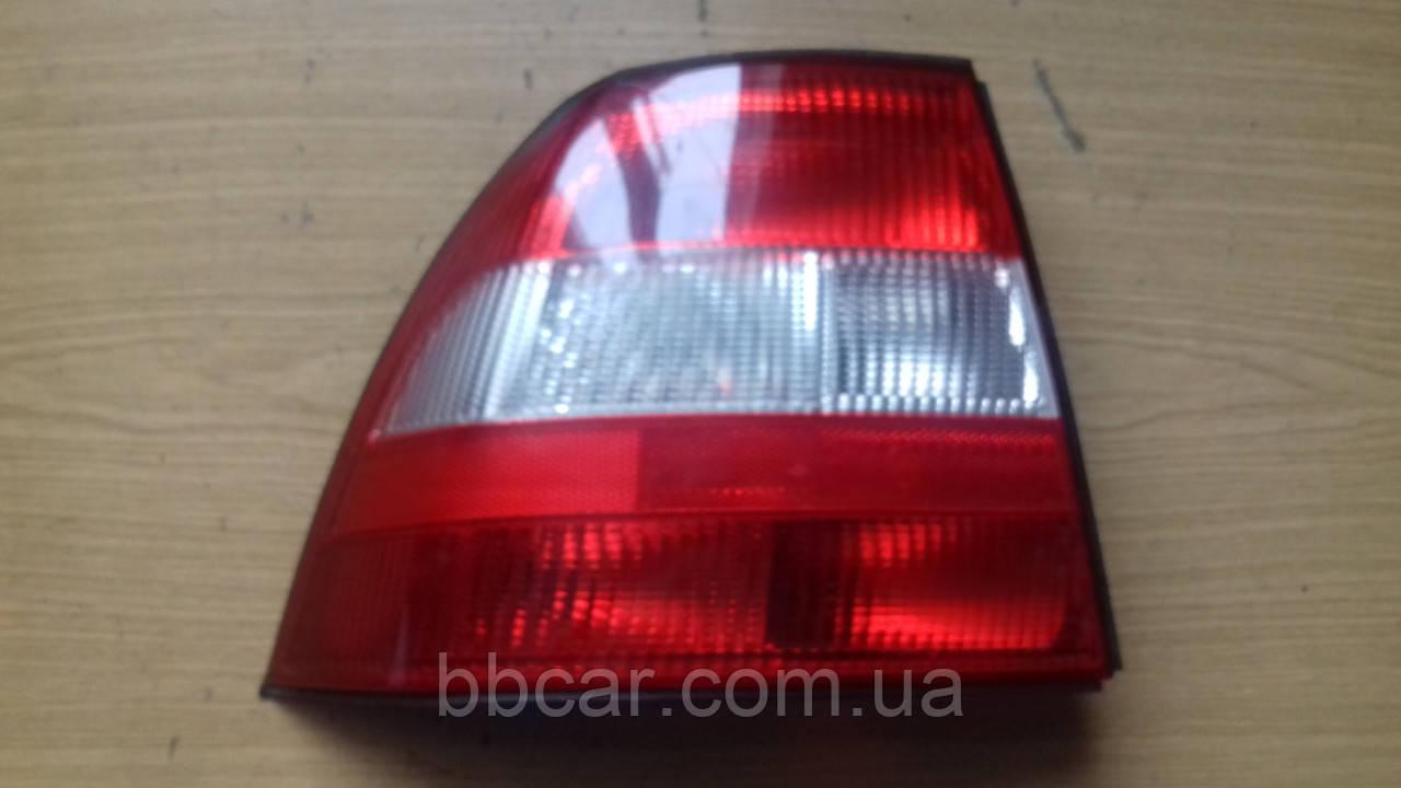 Задній ліхтар Opel Vectra B cc Carello 37370748 GM 90 568 047  ( L )