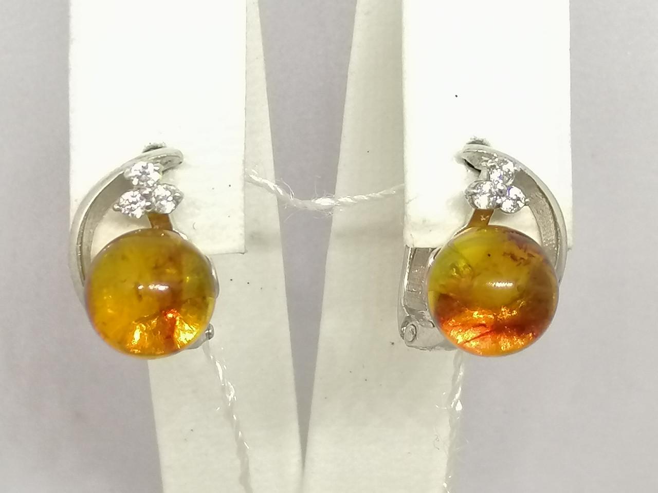 Серебряные серьги с янтарем и фианитами. Артикул СВ905НС