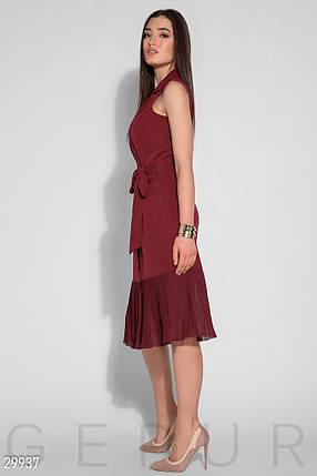 Модное платье средней длины запахивается полуоблегающее без рукав низ плиссированный красное, фото 2