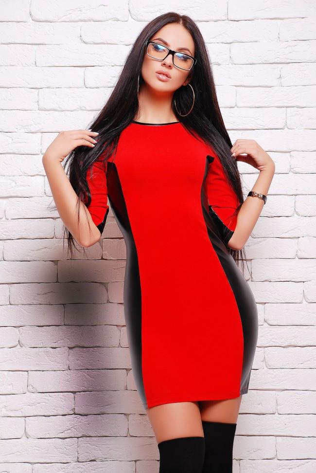 b8a4a22f7c9 Стильное облегающее платье мини со вставками из экокожи