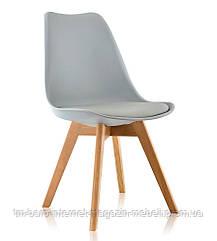 Стул Тор серый пластик, ножки дерево (Прайз), Eames