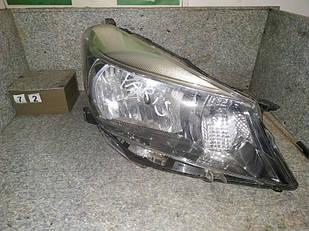 №72 Б/у фара ПРАВА для Toyota Yaris 11-14
