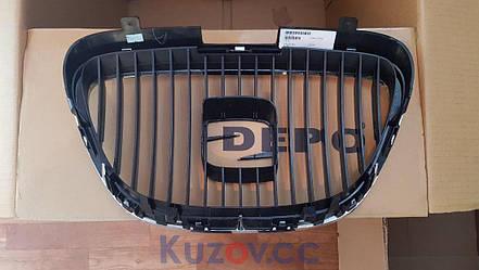 Решетка радиатора Seat Altea 04-13 хром/черная (FPS) 5P0853651A, фото 2