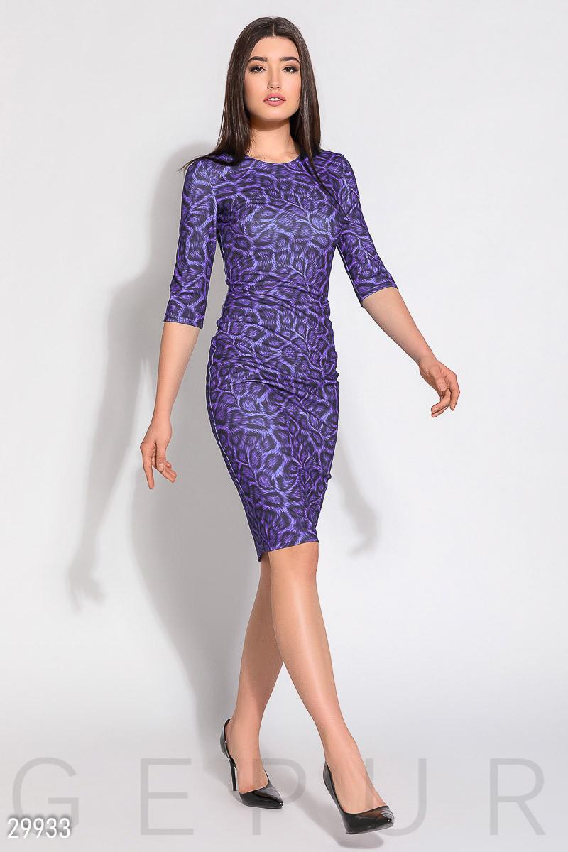 Стильное платье миди облегающее с длинным рукавом принт фиолетовое