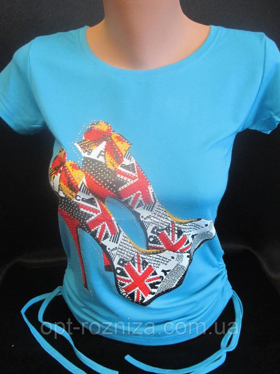 Летние футболки с рисунком и стразами.