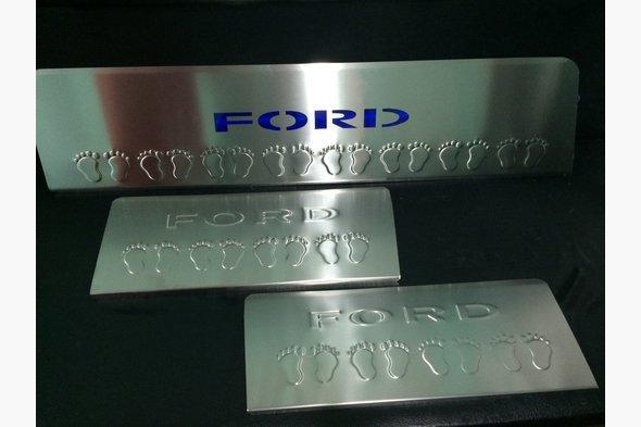 Накладки на пороги LED-синий (3 шт, нерж) Ford Transit 2014↗ гг.