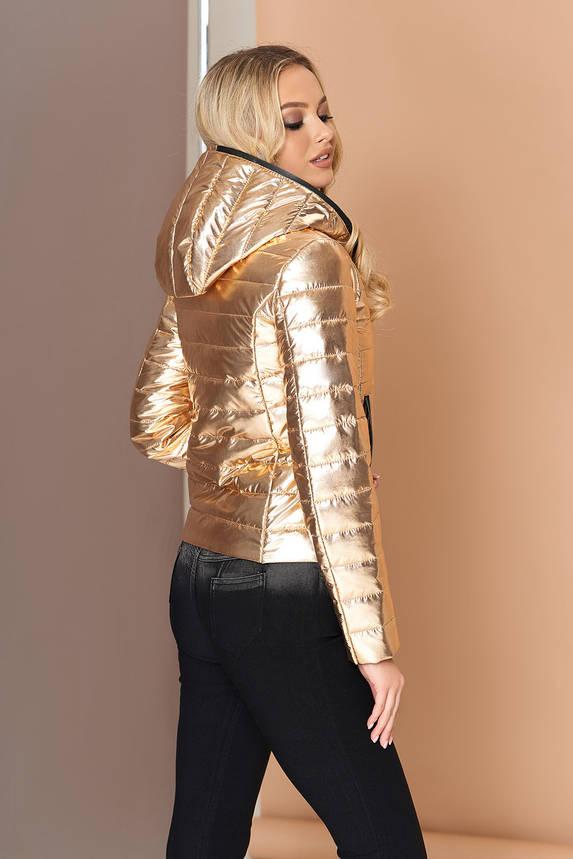Куртка женская короткая демисезонная с капюшоном золотая, фото 2