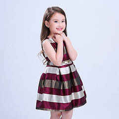 Дитячі сукні та костюми на дівчинку