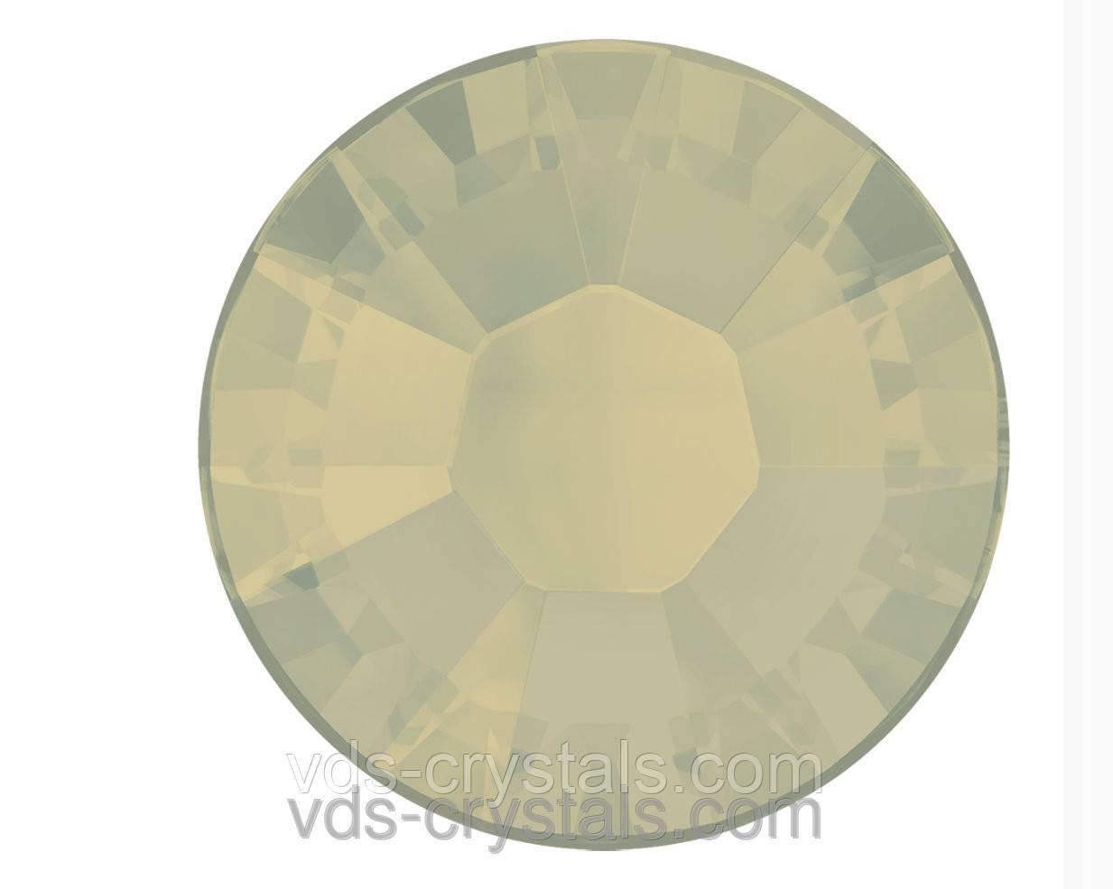 Кристаллы Сваровски клеевые холодной фиксации 2058 Lite grey opal