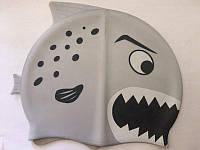 Шапочка для плавания детская Акула в сумке (силикон)
