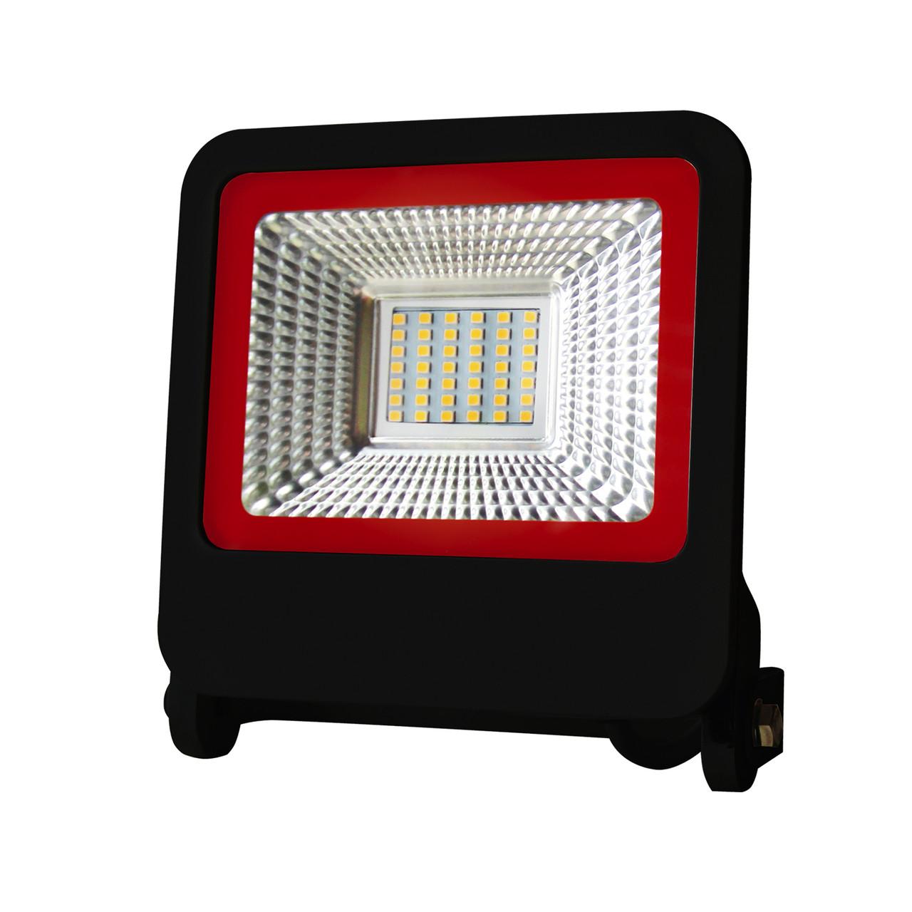 EUROELECTRIC LED SMD Прожектор  чёрний с радиатором NEW 30W 6500K