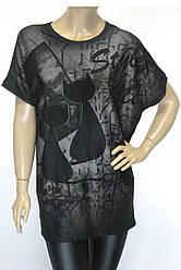 Жіноча чорна футболка з принтом котиками  великого розміру