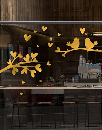 Декор на вітрину Пташки до Валентину