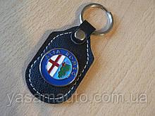 Брелок d продолговатый Alfa Romeo 97мм 8г коже заменитель коричневый эмблема Альфа Ромео на авто ключи