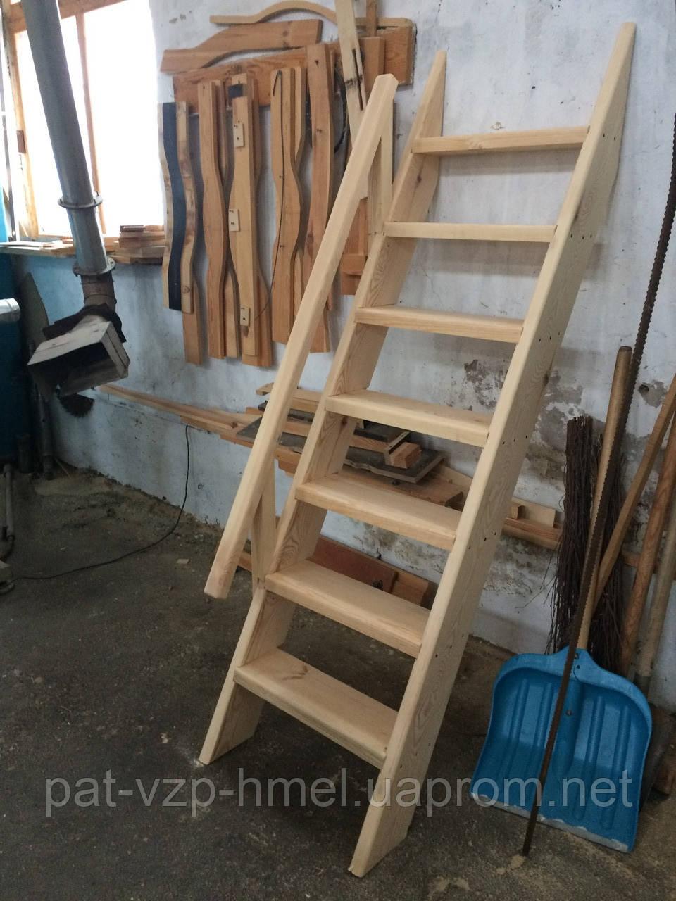 Лестница деревянная в погреб