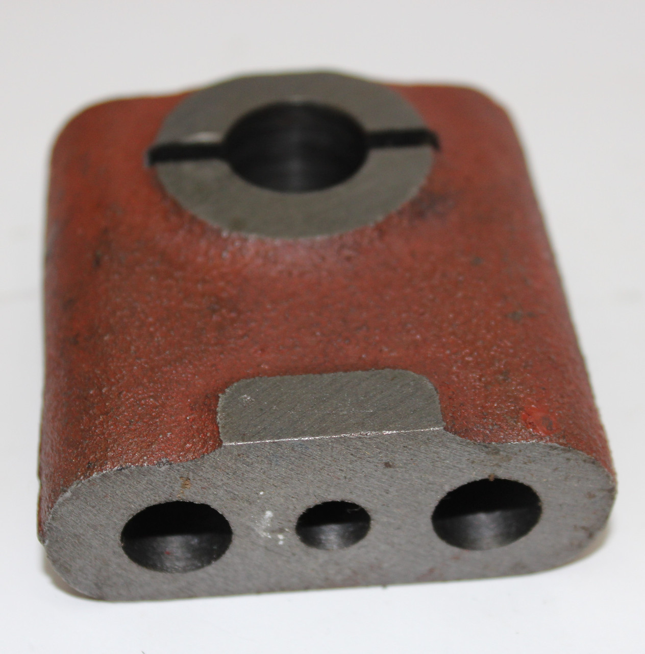 Стійка МТЗ осі коромисел задня (з отвором під мастило) 240-1007151-Б-01